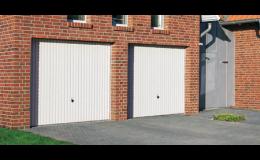 Výklopná garážová vrata ocelová i z masivu