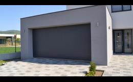Sekční garážová vrata v mnoha barevných odstínech