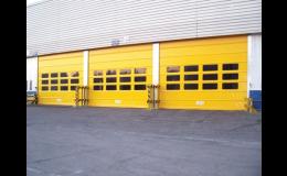 Průmyslová garážová vrata rychloběžná pro frekventovaný provoz
