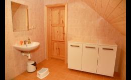 Komfortní ubytování, koupelna - Chalupa Sněženka Orlické hory