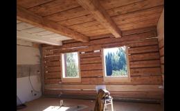 Pískování zašlých dřevěných chat, chalup, srubů, roubenek