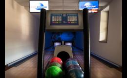 Spojte firemní školení nebo teambuilding s hrou bowlingu