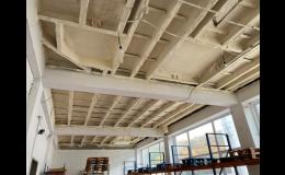 Stříkaná PUR pěna k zateplení stropů průmyslových hal