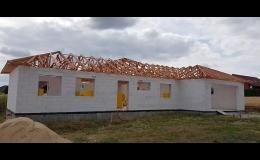 Výroba a montáž střešních lisovaných příhradových vazníků