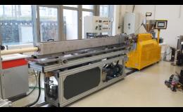 Laboratorní zařízení, linky na vytlačování plastů