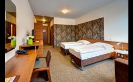 Dvoulůžkové pokoje a apartmán v hotelu IBERIA Opava