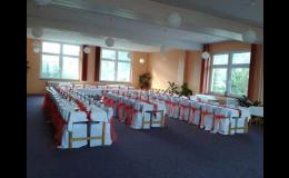 Využití společenského sálu penzionu AK KORAL v Tišnově