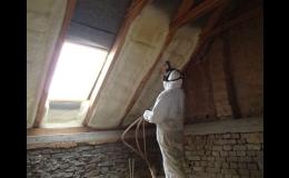 Perfektní izolace střech stříkanou izolační PUR pěnou