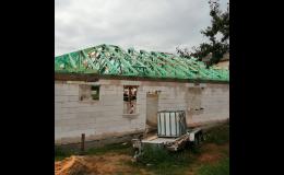 Realizace hrubé stavby se základovou deskou a střechou na klíč