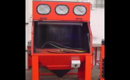 Injektorová tryskací kabina pro ruční tryskání malých a středních dílů