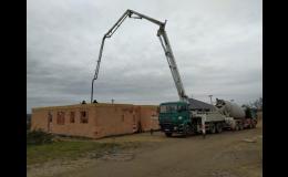 Čerpání betonu do výšek autočerpadlem SCHWING