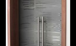 Celoskleněné dveře z matného nebo čirého skla