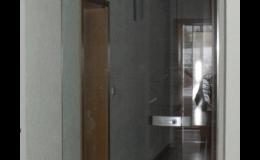 Skleněné dveře z tvrzeného bezpečnostního skla