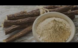 Produkce bylinného lékořicového likéru
