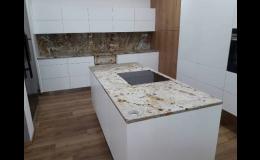 Kuchyňská deska z žuly, kvarcitu, mramoru