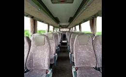 Pohodlné cestování klimatizovanými autobusy
