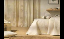 Zakázková realizace bytových interiérů - záclony, závěsy, římské rolety