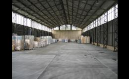 Litý asfaltový povrch do skladovacích prostor