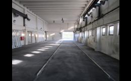 Lité asfaltové podlahy v průmyslových výrobních halách