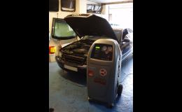 Čistění a plnění klimatizací vozidel na zařízení SPX ROBINAIR