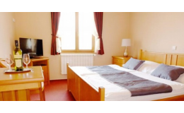 Klimatizovaný dvoulůžkový pokoj penzionu ve Valticích