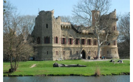 Janův hrad v Lednickém parku