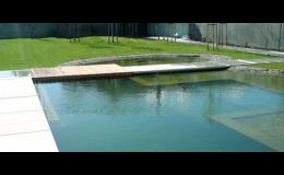 Realizace a údržba koupacího zahradního jezírka, biobazénu