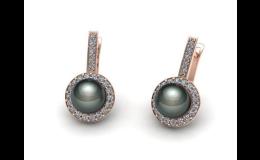 Zlaté náušnice s černou perlou a brilianty