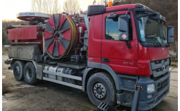 Výkonné vozidlo pro čištění kanalizačních sítí
