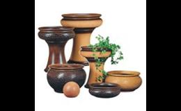 Keramické vázy a nádoby do zahrady