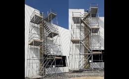Schodišťové věže CUPLOK a R-MODUL pro mosty, průmyslové stavby
