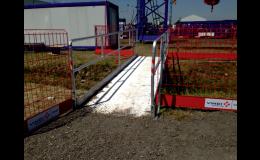Přechodové lávky SAFEBRIDGE pro bezpečný přechod přes výkop
