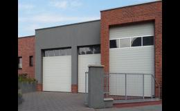 Různé typy garážových vrat dle vašeho výběru