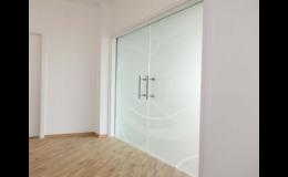 Skleněné dveře pro moderní interiér