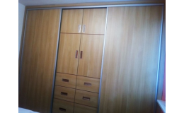Moderní vestavěné skříně od Trunkát Interier Zlín