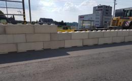 Dočasné stavby z betonových bloků