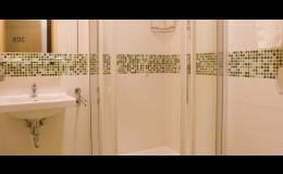 Koupelna hotelu FBA u letiště Václava Havla, Praha