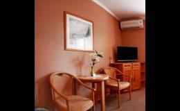 Komfortní ubytování ve dvoulůžkových pokojích s kouplenou