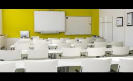 Konferenční místnost s promítacím plátnem, FBA spol. s r.o.