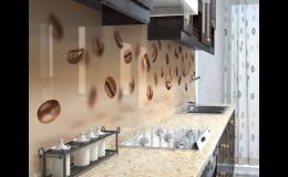 Designové bklady stěn za kuchyňskými linkami
