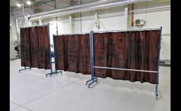 Pojízdné zástěny z měkčeného PVC pro svařovací boxy