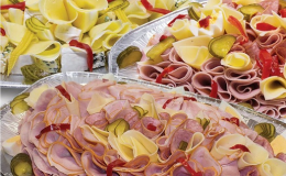 Příprava obložených chlebíčků i talířů v Konicích