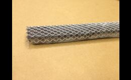 Zpevňovací mřížky pro bentonitové pásky