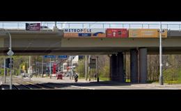 Prodejem venkovní reklamy se zabývá společnost PUBLICITARIA Praha, spol. s r.o.