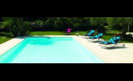 Venkovní bazén s integrovanou bezpotrubní filtrací Desjoyaux