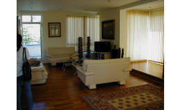 Návrh a realizace vnitřních prostor rodinných domů, bytů, Praha