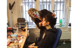 Čtvrtletní rekvalifikační kurz pro práci maskéra/maskérky