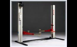 Elektromechanický 2-sloupový zvedák pro osobní a malé užitkové vozy