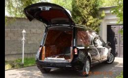Disponujeme širokým vozovým parkem pro přepravu zesnulých