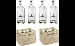 Voda ve skleněných lahvích je praktická, hygienická a nabízí marketingové využití